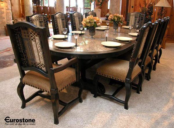 Mẫu bàn ăn mặt đá tự nhiên cao cấp & sang trọng cho gia đình bạn.
