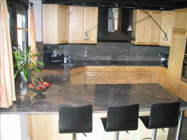 Đá Granite Paradiso Bash (Tím Sa Mạc) ốp bếp