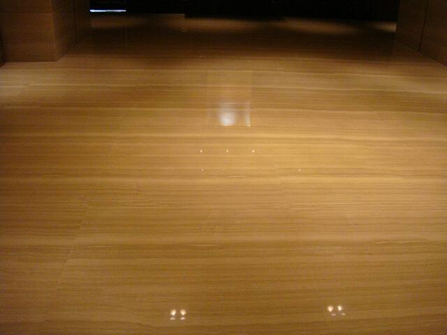 Đá Marble Grey Serpeggiante (Xám Vân Gỗ) lát nền