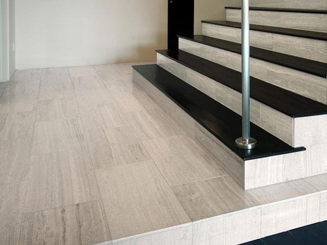 Đá Marble White Wooden ốp cầu thang