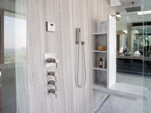 Đá Marble White Wooden ốp phòng tắm
