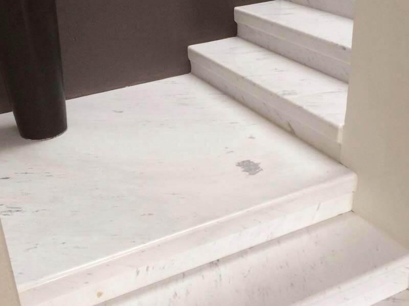 Đá cẩm thạch Polaris tự nhiên ốp cầu thang