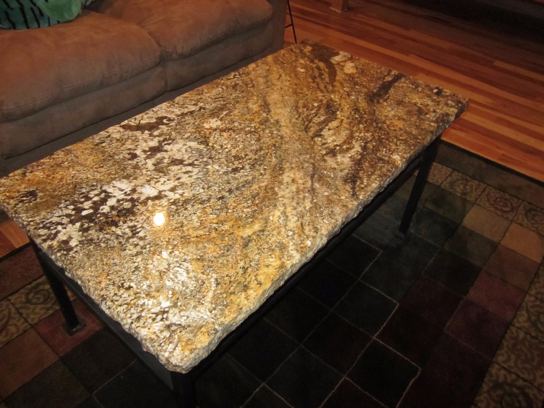 bàn ăn mặt Đá Tự Nhiên Granite Mascarello