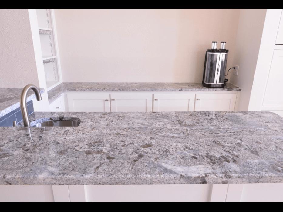 Đá Granite Colonial Blue ốp bếp