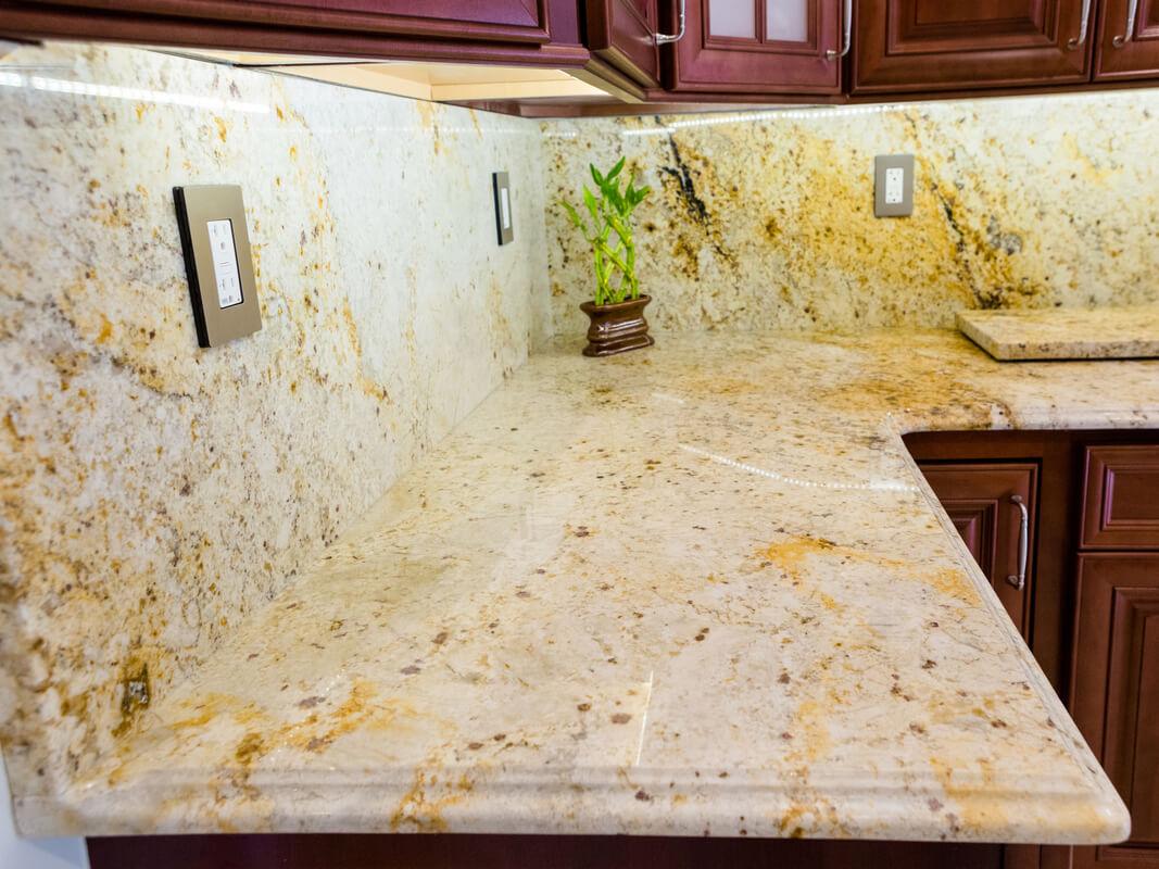 Đá Granite Tự Nhiên Colonial Gold ốp bếp