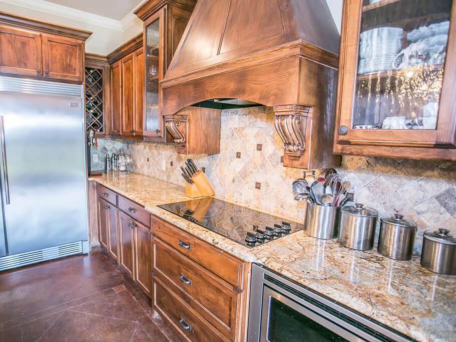 Đá Granite Siena Bordeaux ốp bếp