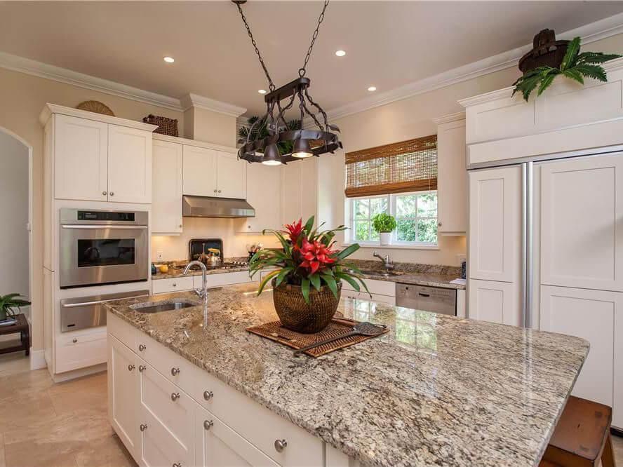 Đá Granite Bianco Antico ốp bếp