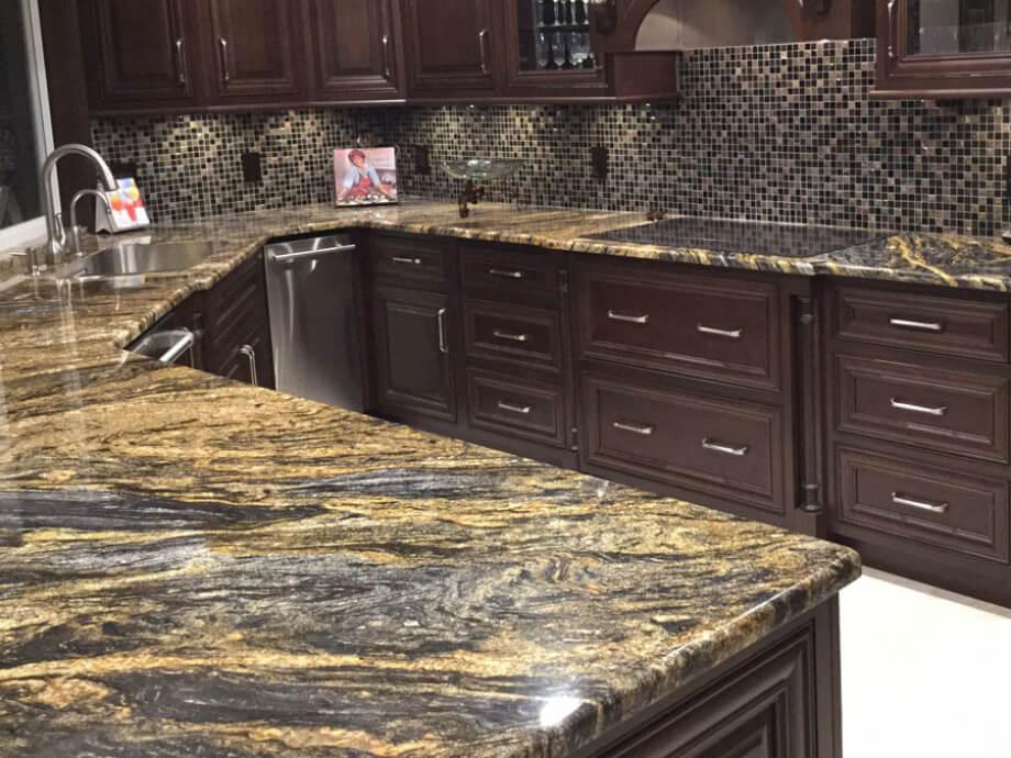 Đá Granite Magma Gold ốp bếp