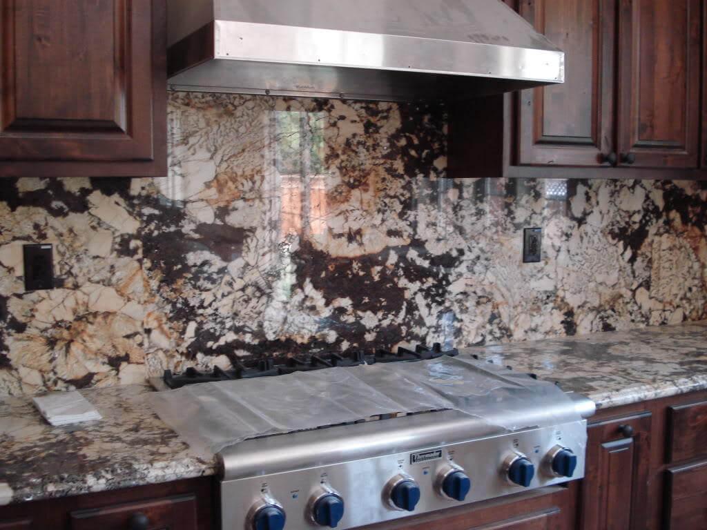 Đá Granite Tự Nhiên Delicatus Gold ốp vách đứng bếp