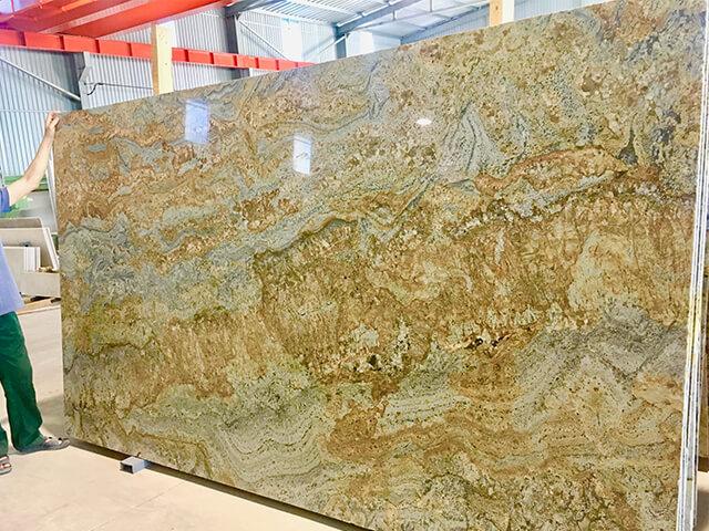 Đá ốp lát Granite Tự Nhiên Colombia Salsa