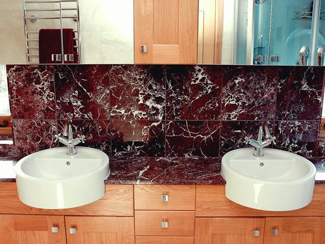 Đá Marble Rosso Levanto New ốp tường nhà vệ sinh