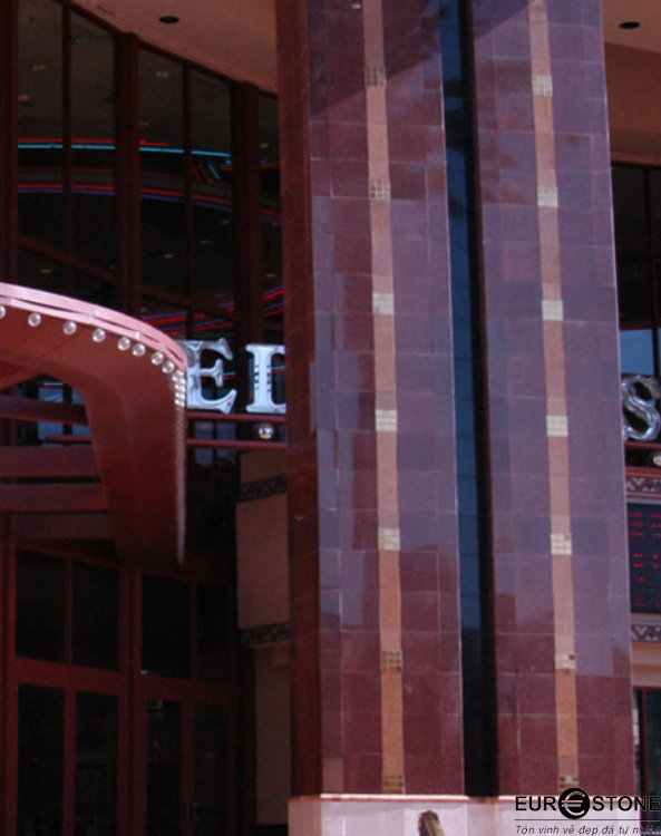 Đá Granite Đỏ Ruby Ấn Độ ốp mặt tiền