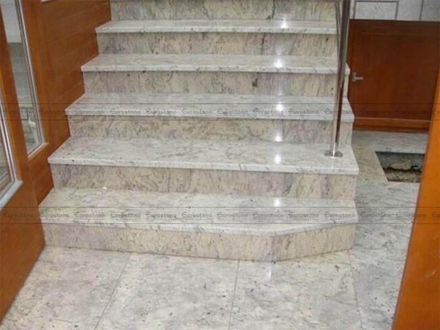 Đá Granite Colonial White ốp cầu thang