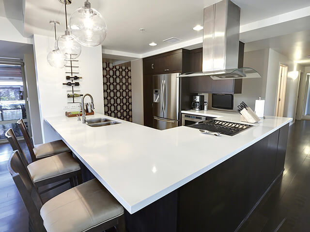 Đá Trắng Sứ Nhân Tạo (Diamond White) ốp bếp
