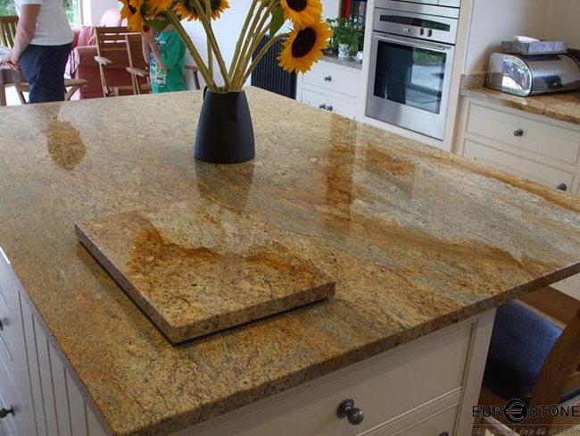 bàn ăn mặt Đá Tự Nhiên Granite Kashmir Gold