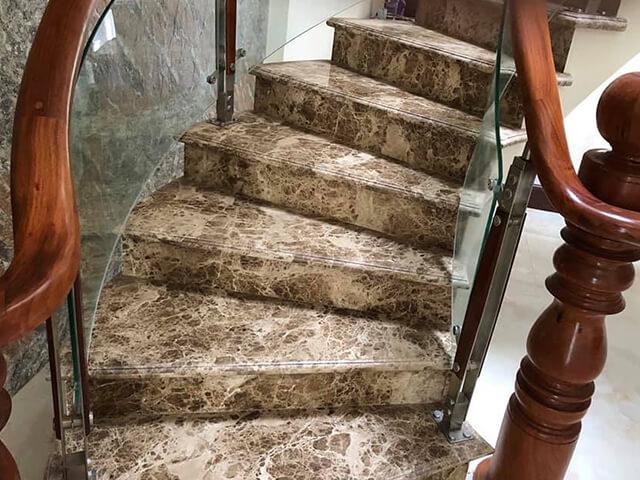 Đá Marble Light Emperador ốp cầu thang