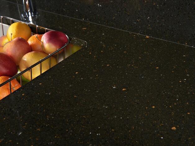 Đá nhân tạo quartz Royal Gold ốp bếp